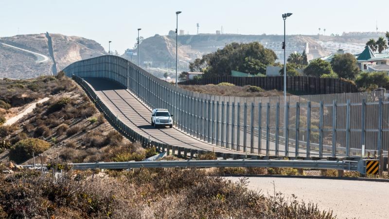 Pentagon authorises US$1 billion for Trump's border wall