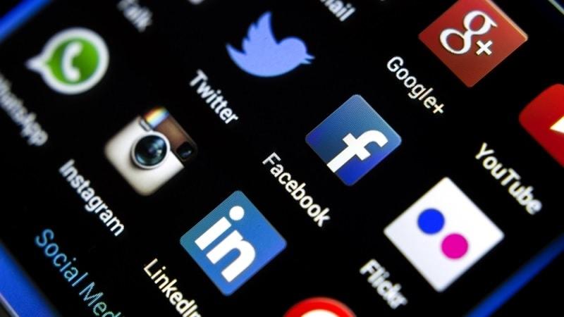 social media, Twitter, Facebook, Instagram, LinkedIn